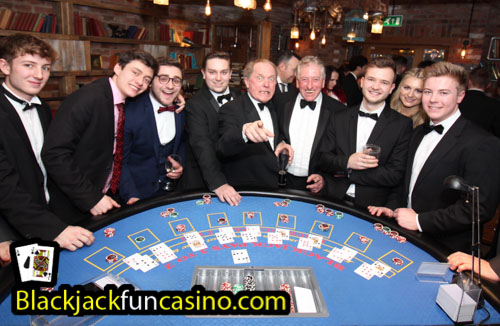 People having fun at the casino tables