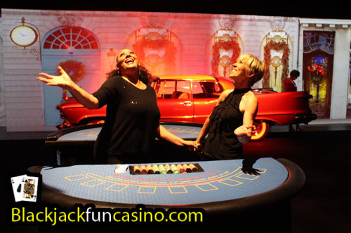 fun-casino-staff-2